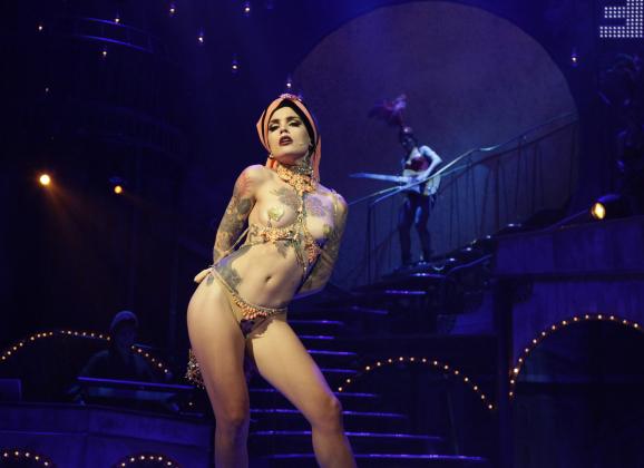 Vinila Von Bismarck presenta su espectáculo 'A place with no name'