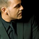 """Gerson Galván presenta """"… por Navidad"""", su nuevo éxito, en el CICCA"""
