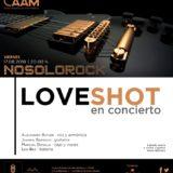 El grupo Love Shot ofrece un concierto en el patio del CAAM