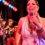 La cantante argentina, Vivi Pozzebón, es la cuarta protagonista del nuevo ciclo de Musicando