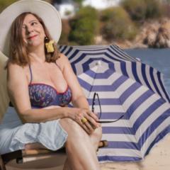 La actriz Mari Carmen Sánchez da vida a Shirley Valentine en el Teatro Pérez Galdós
